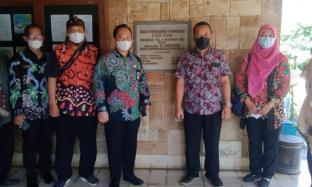 Kadistan Sumenep Kagumi Upaya Pemanfaatan Limbah Tembakau di Puslit Tembakau Jember